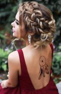 hair dos for the prom for a 40 something 25 best ideas about prom hairstyles on pinterest hair