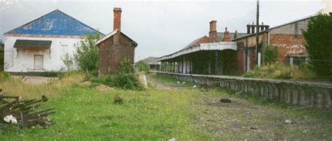 Abandon Buildings file derelict dereham station 1996 jpg wikimedia commons