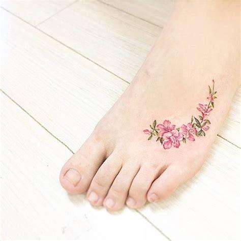 apple blossom tattoo 25 best ideas about apple blossom tattoos on