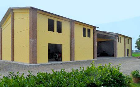 capannoni agricoli prefabbricati capannoni prefabbricati agricoli pannelli coibentati lisci