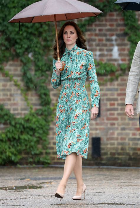 Dress Poppi Green why duchess and william s third child has sparked anger