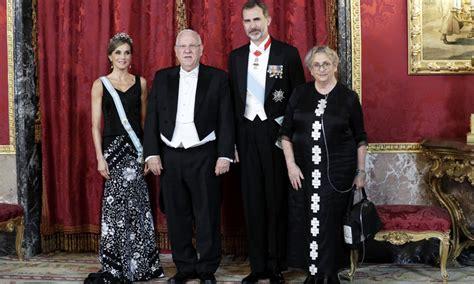 cena de gala de las los reyes celebran una cena de gala en honor al presidente