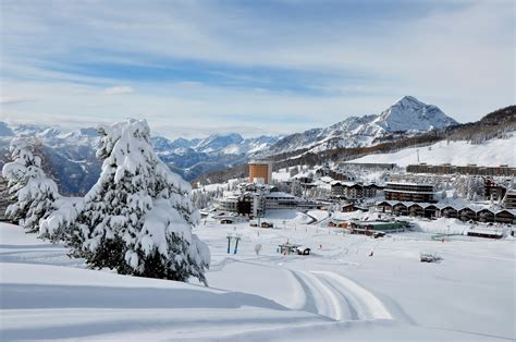 Tri Level Home Sestriere Hotel Biancaneve A Sestriere To Hotel