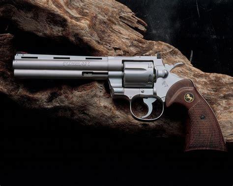 Revolfer Pyton colt python 357 revolver weapons shooting