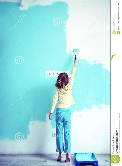 painting a wall child painting the wall royalty free stock photography