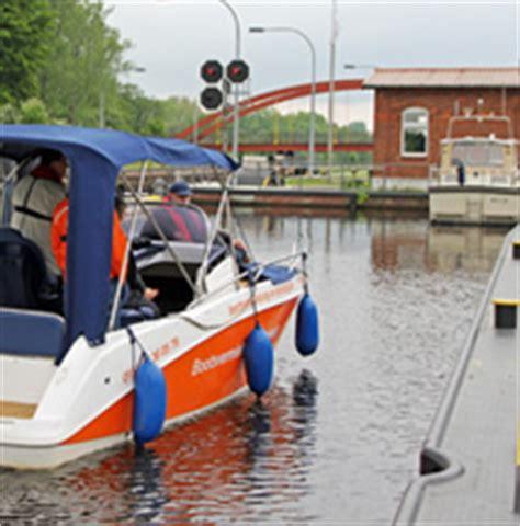 motorboot richtig anlegen motorboot training in hamburg auf der elbe