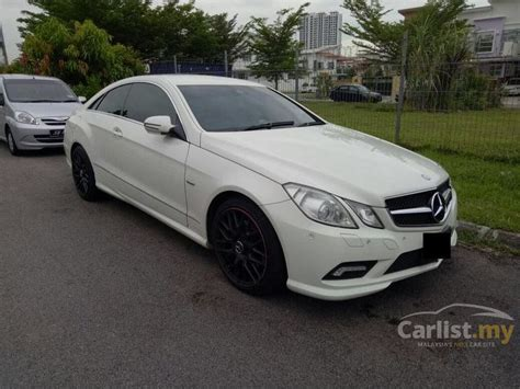 car mercedes 2010 mercedes e250 coupe 2010 in johor automatic white for
