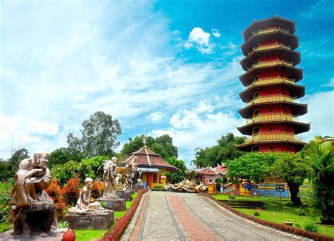 destinasi wisata  kota bunga tomohon sulawesi utara