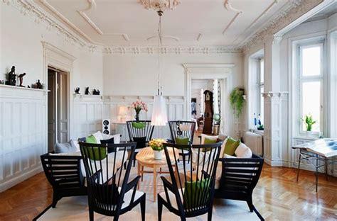 living room molding design  wainscoting ideas