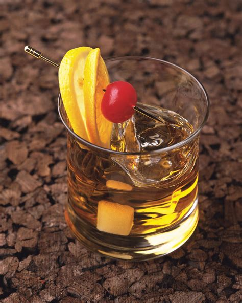 whiskey classic  fashioned cocktail recipe