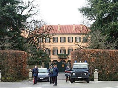 villa casati sta amministrative arcore al ballottaggio berlusconi perde