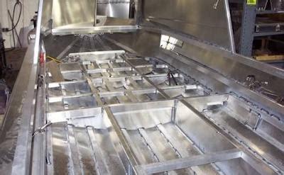 deck boat vs pontoon cost drawbacks to houseboat hull materials aluminum