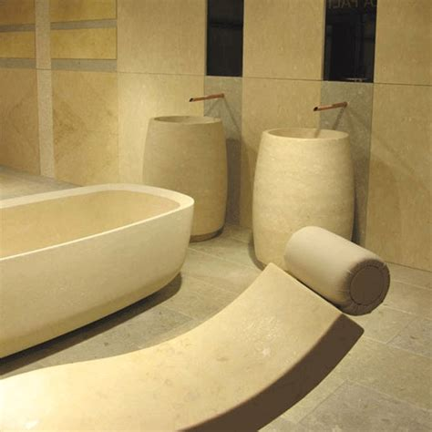 kinderwaschtisch badewanne fliesen geh 246 ren zur badezimmersanierung wandfliesen