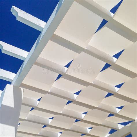 pergola dach material dach einer pergola stockfoto bild farbton schauen