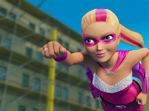film barbie super principessa barbie super principessa kara super sparkle in una scena