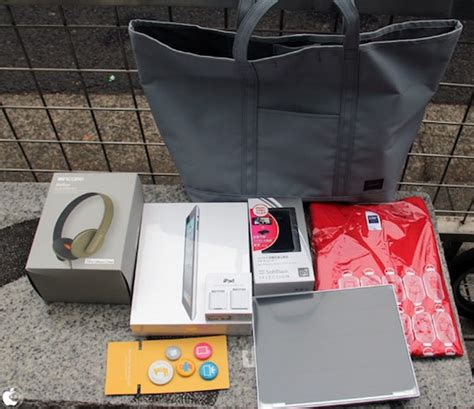 Bag Apple Mini Brokat 2017 japanese apple fans line up for annual lucky bag