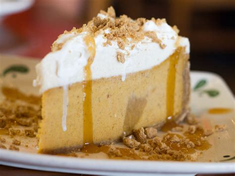 Olive Garden Menu Dessert by We Try All The Desserts At The Olive Garden Serious Eats