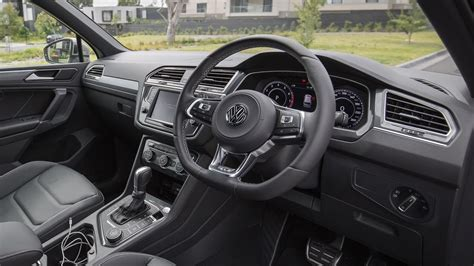volkswagen tiguan 2017 interior interior tiguan new car reviews and specs 2018 les
