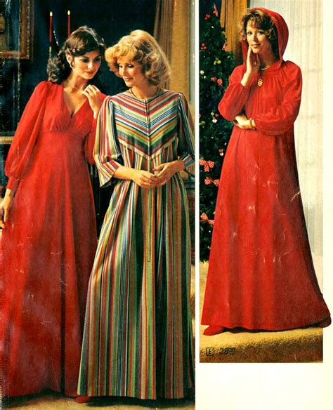 ladies popular hair style 1975 1970s dresses skirts styles trends pictures
