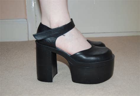 90s high heels 80s 90s grunge black leather chunky heel platform dolly