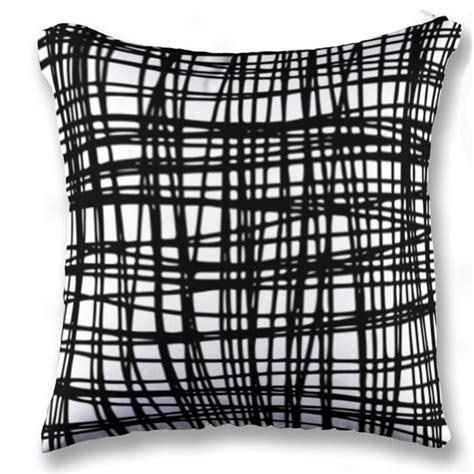 Bantal Printing Persegi Panjang gambar toko gaya sederhana garis putih hitam bunga