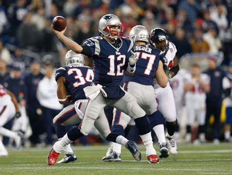 Go Giants And Throw Tom Brady His by Tom Brady Patriots Agree To An Extension Through 2017