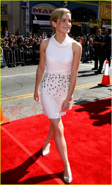 Watson Wears Chanel Again At The Harry Potter La Premier by Fashion Faceoff S Chanel Show Photo 480971