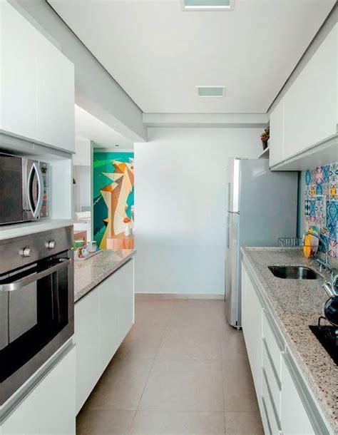 cocina por dos apartamento de 90 metros con una decoraci 243 n moderna y pr 225 ctica