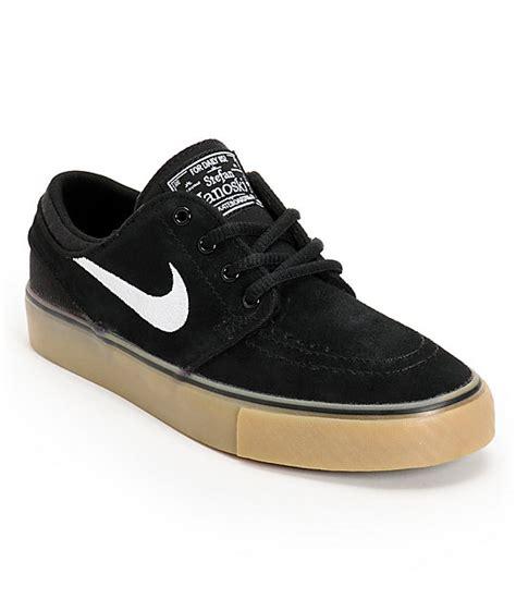 Sepatu Nike Stefan Janosky Brown White nike sb stefan janoski gs black white light brown gum boys shoes zumiez