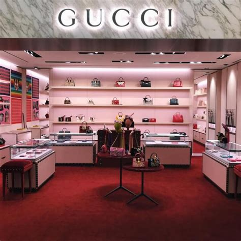 gucci store  nordstrom   westfield topanga mall