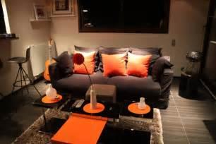 Wonderful Comment Peindre Un Meuble Laque #12: Photo-decoration-d%C3%A9coration-salon-orange-chocolat-2.jpg