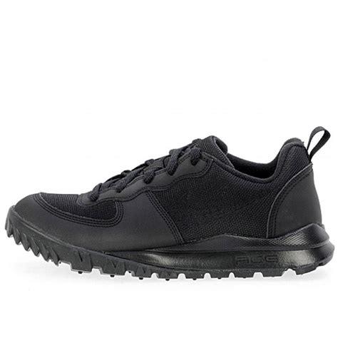 trail running hiking shoes nike acg takos low 317542 020 black leather mesh trail