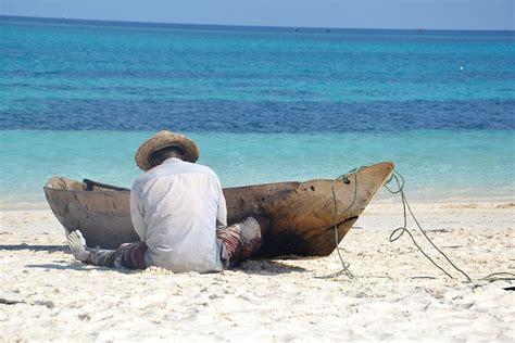 boat trip zanzibar home zanzibar co za specialises in holiday packages to