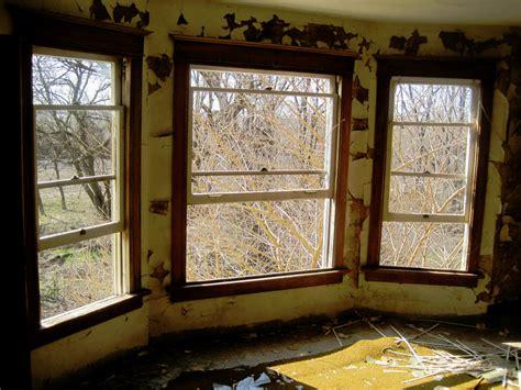 window inside house abandoned house inside windows by xuntiltheend on deviantart