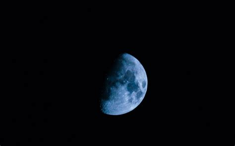blue moon blue moon 2018 to light up the sky this weekend