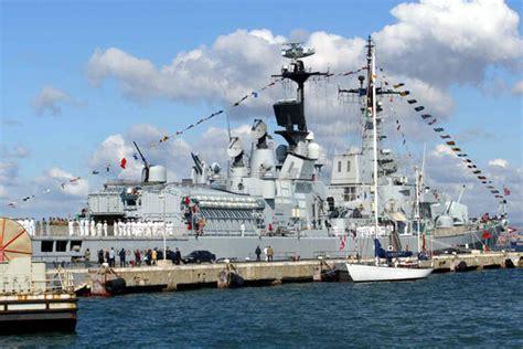 porti napoli porti napoli da giovedi tre navi scuola marina giappone
