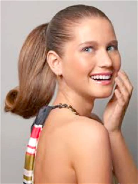 best hairstyles working women leaders gym hairstyle trends how to get the sock bun low side