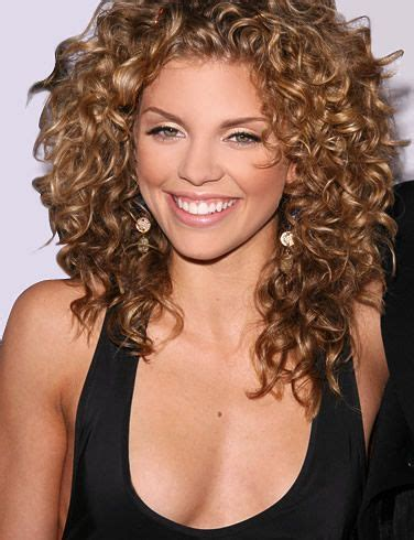 hairstyles for curly hair in humidity how to get big curly hair in 10 minutes my hair style