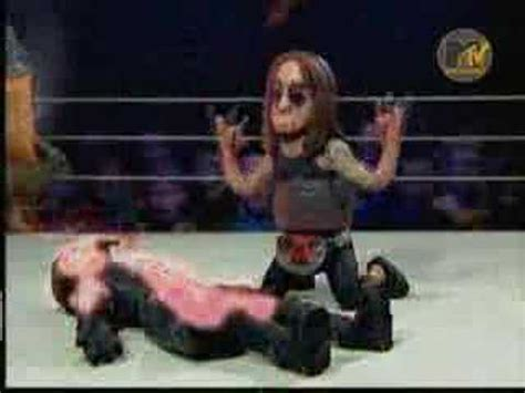 celebrity deathmatch cousin grimm celebrıty death match marilyn manson s arm d youtube