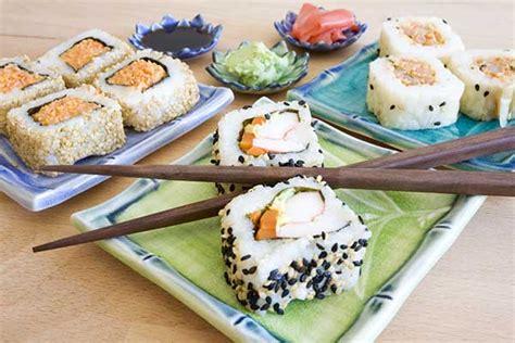 cucinare il sushi come fare il sushi in casa