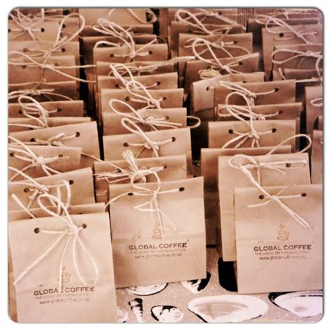 diy wedding favor bags with a twist diy wedding favours ethical