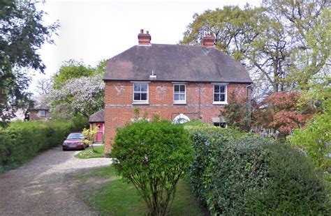 middleton houses kate middleton s childhood home sold for 800 000