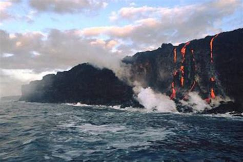 lava ocean entry boat tours lava ocean tours on the big island hawaii
