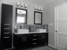 Galerry design ideas for 5 x 8 bathroom