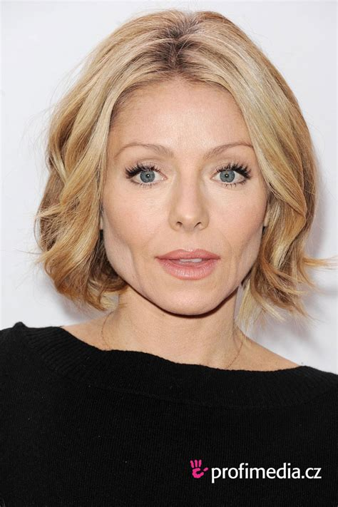 kelly ripa bob haircut