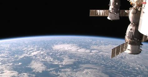 live from space earth from space hd views of earth from the