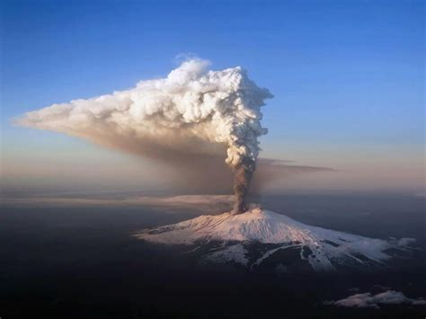 Volcano L by Eruption From Italy S Mount Etna Volcano Closes Catania Airport The Extinction Protocol