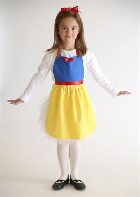 Handmade Snow White Costume - free sewing pattern for snow white princess dress up apron