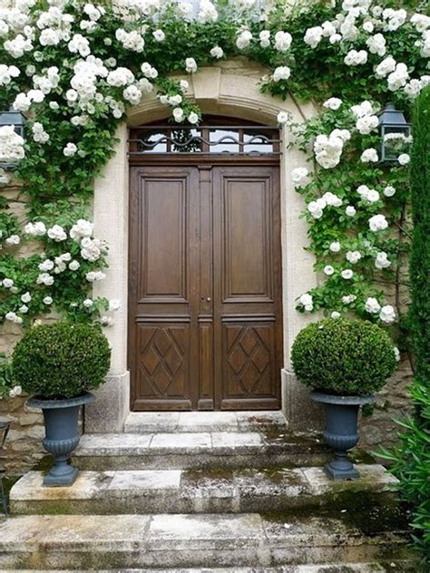 30 Inspiring Front Door Designs Hinting Towards A Happy Front Door Garden Design