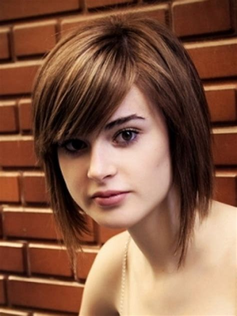easy short hairstyles for round face medium hairstyles for round face